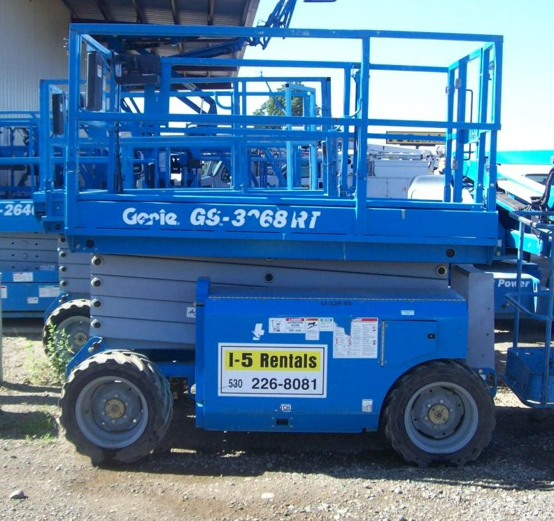 SCISSOR LIFT 32′ All Terrain