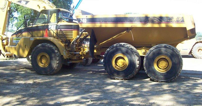 DUMP TRUCK 40 Ton