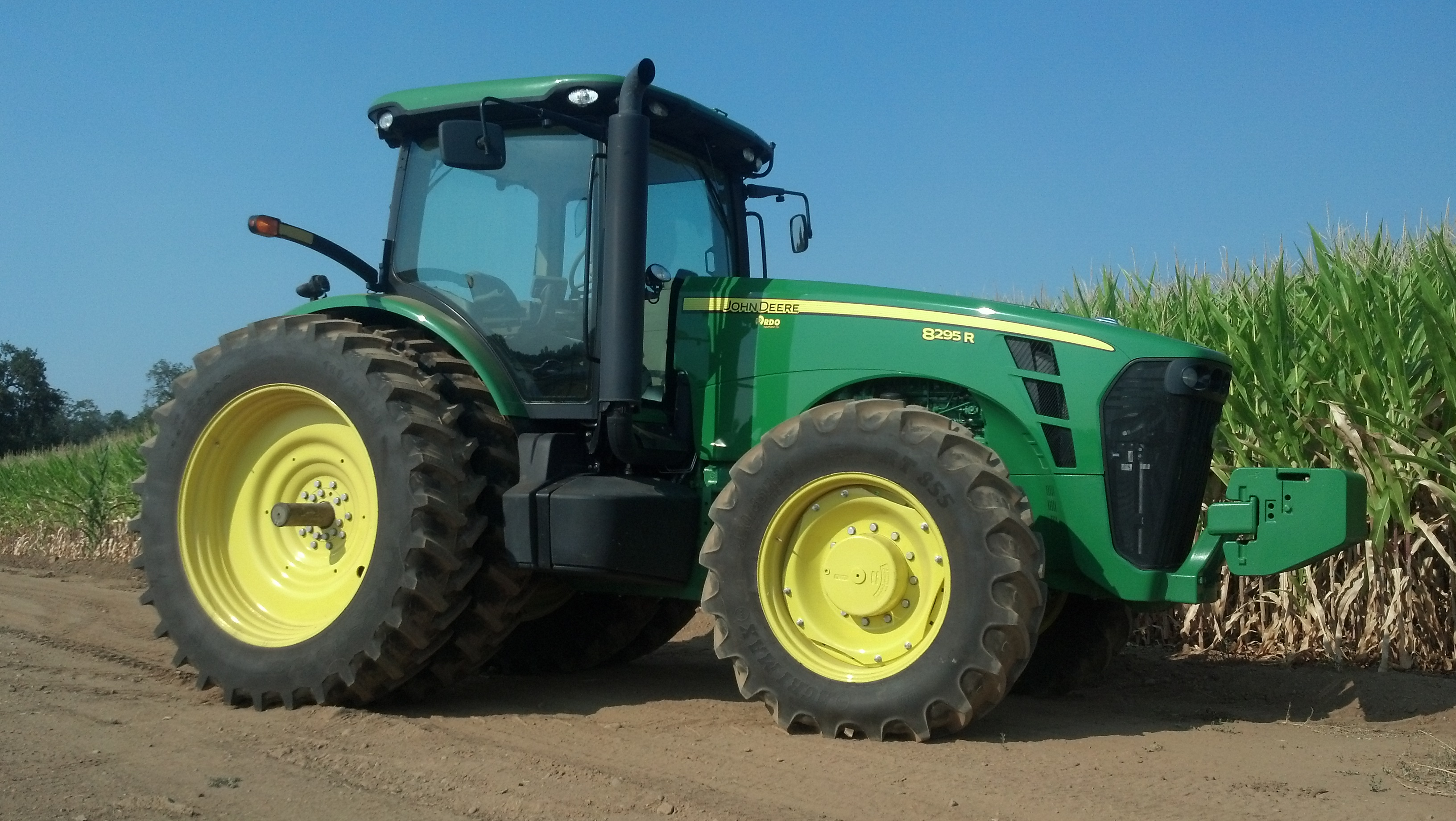 295HP John Deere 4WD 8295R