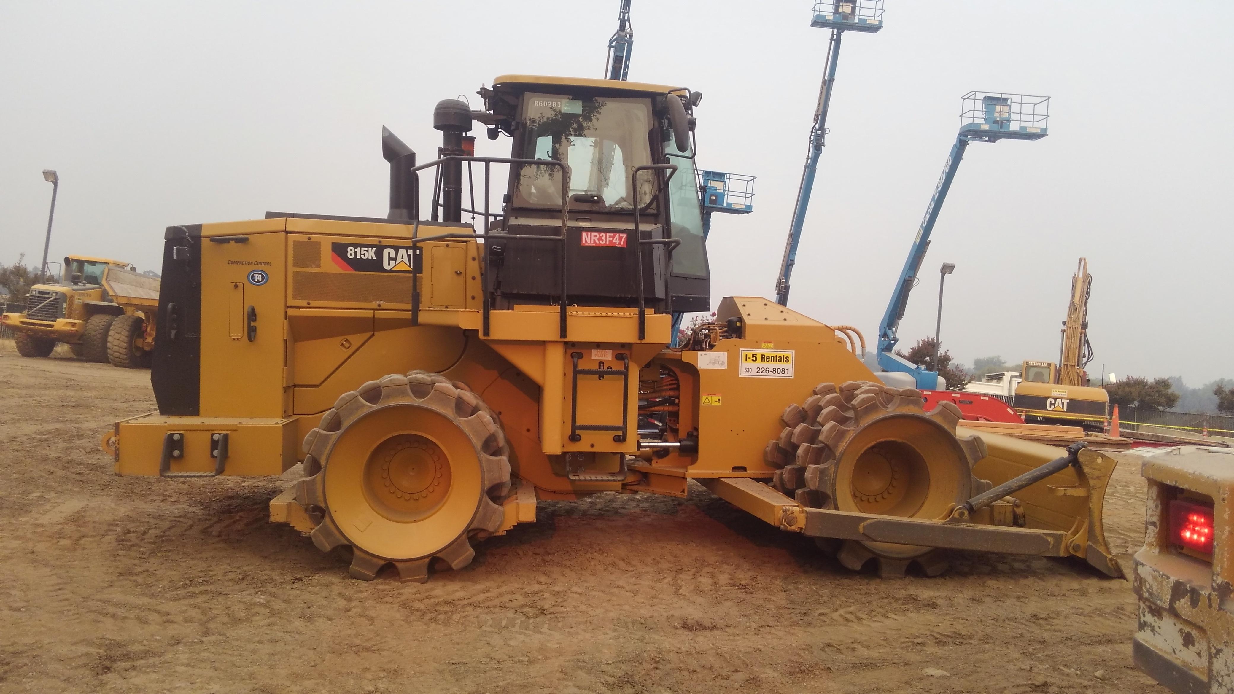 SOIL COMPACTOR 815K