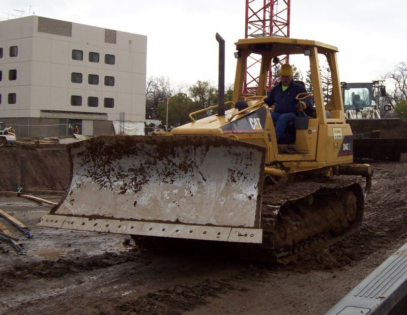 DOZER  D4G Caterpillar