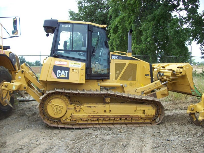 DOZER  D6K Caterpillar