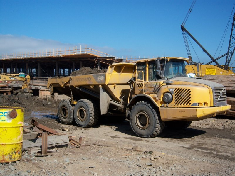 30 TON ARTICULATED DUMP TRUCK