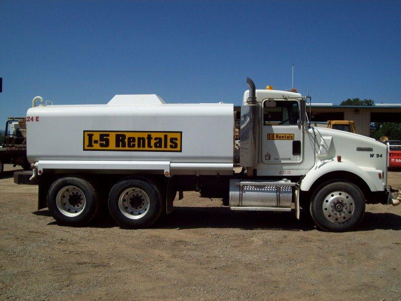WATER  Truck 4,000 Gallon